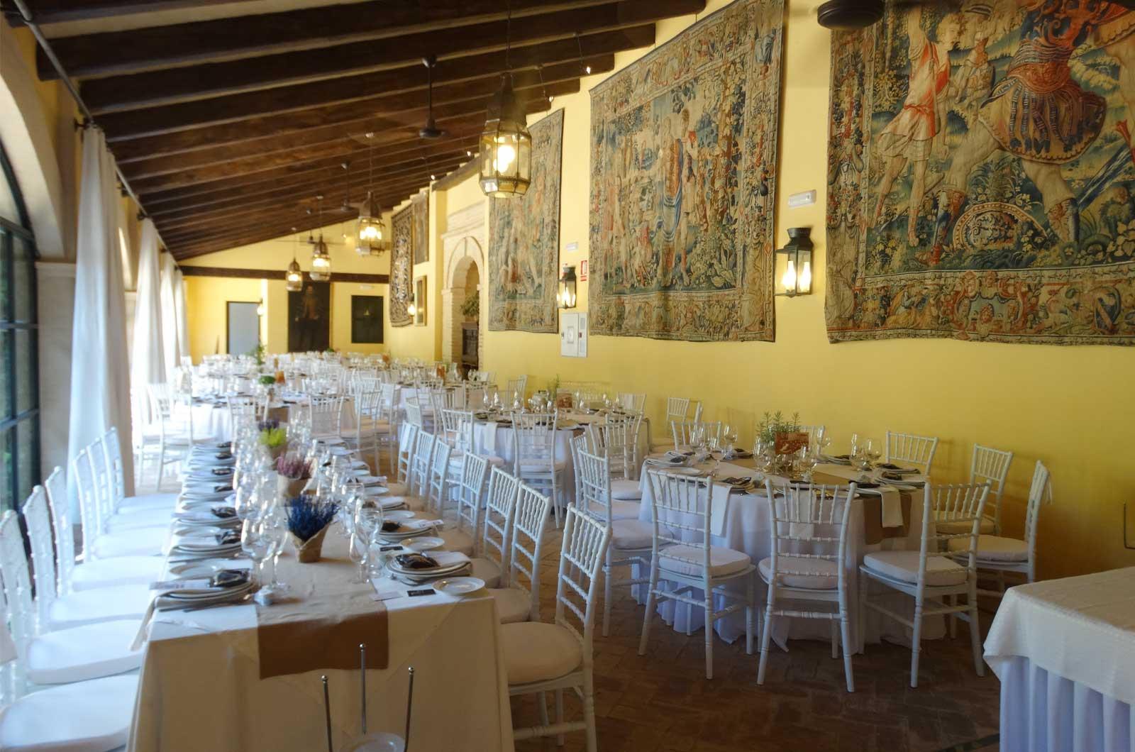 Castillo de la Monclova - salones<div style='clear:both;width:100%;height:0px;'></div><span class='cat'>Castillo de la Monclova</span><div style='clear:both;width:100%;height:0px;'></div><span class='desc'>Castillo de la Monclova - salones</span>